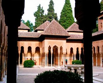 Alhambra, patio de los leones