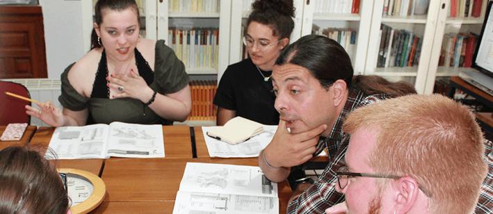 CURSOS Y PROGRAMAS PARA GRUPOS DE ESTUDIANTES UNIVERSITARIOS